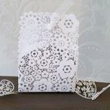 Krabička biela s vyrezávanými kvetmi
