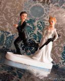 Svadobné postavičky na tortu - svadobné figúrky na tortu puška