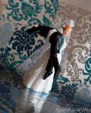Svadobné postavičky na tortu - svadobné figúrky na tortu únos ženícha